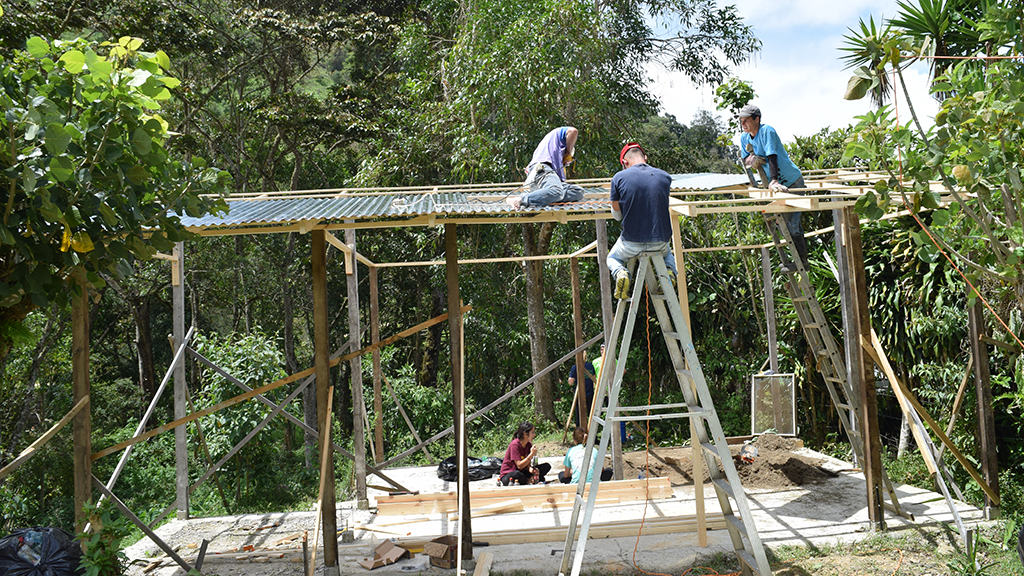 Building a Recycling Center in Costa Rica